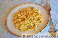 Фото к рецепту: Макароны со шкварками по-венгерски