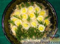 """Фото к рецепту: Салат """"Ромашки"""""""
