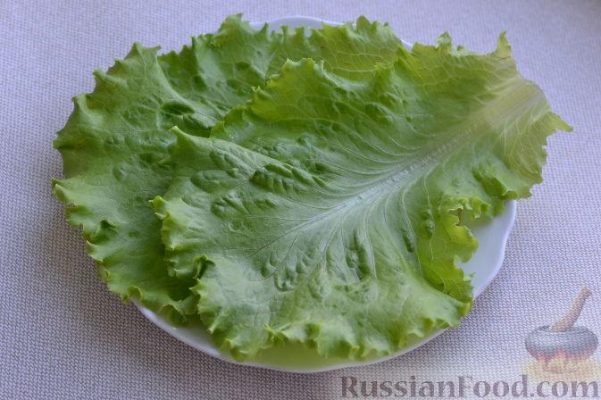 Фото приготовления рецепта: Салат с курицей и виноградом - шаг №3
