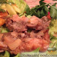 Фото к рецепту: Мясо, запечённое в томатном маринаде