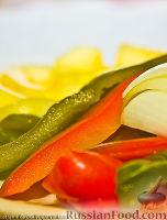 Фото к рецепту: Маринованный перчик (быстро-быстро)