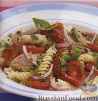 Фото к рецепту: Салат из макарон, тунца и болгарского перца