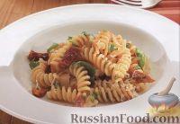 Фото к рецепту: Макароны с вялеными помидорами