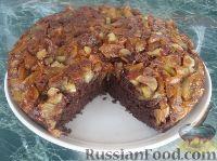 Фото к рецепту: Шоколадно-яблочный пирог