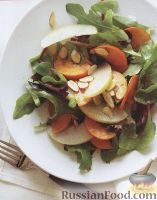 Фото к рецепту: Салат с хурмой, грушей и миндалем