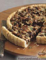 Фото к рецепту: Пирог с грибами и луком пореем