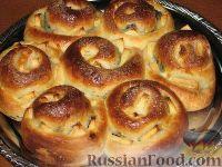 Фото к рецепту: Булочный пирог с несколькими начинками