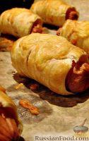 Фото к рецепту: Сосиски в слоеном тесте