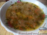 Фото к рецепту: Простой овощной супчик с гречкой