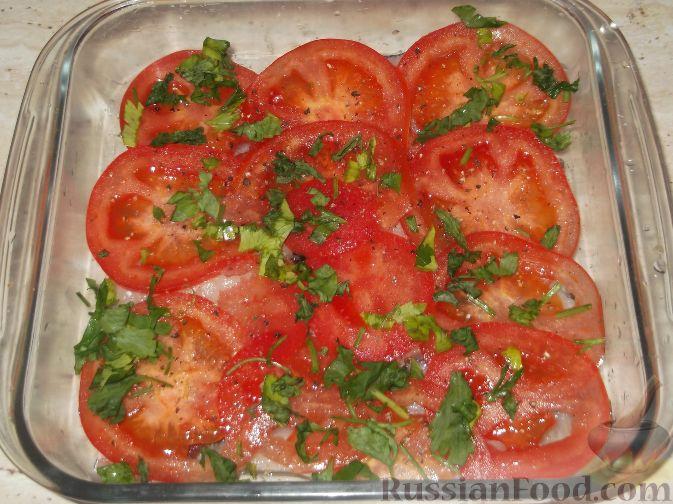 Минтай запеченный в духовке с помидорами рецепт