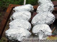 Фото приготовления рецепта: Картопля с салом на углях - шаг №2