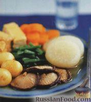 Фото к рецепту: Тайское овощное рагу с грибами и тофу