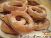 Фото к рецепту: Пончики «Кольцо»