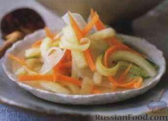 Фото к рецепту: Салат из маринованных корнеплодов