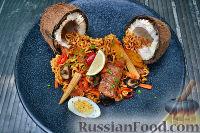 Фото к рецепту: Тайская лапша со свининой
