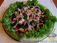 """Фото к рецепту: Салат из печени трески и овощей """"Яркая поляна"""""""