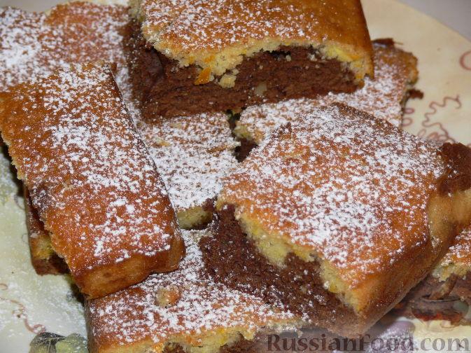 Фото к рецепту: Шоколадно-апельсиновый кекс с орехами
