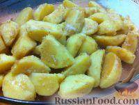 Фото приготовления рецепта: Картофель, запеченный в соевом соусе с чесноком - шаг №3