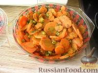 Фото к рецепту: Морковь с зеленым горошком