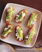 Фото к рецепту: Бутерброды с рикоттой и спаржей