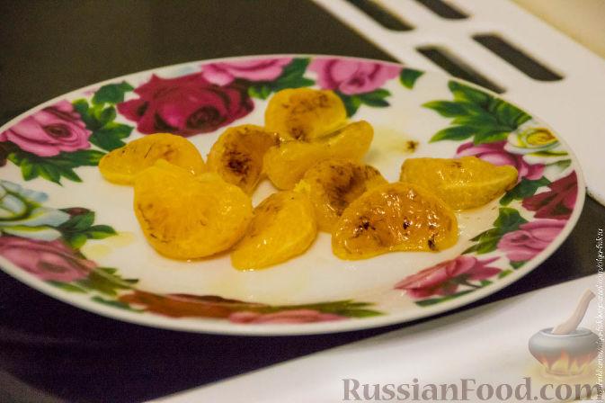Фото приготовления рецепта: Рождественский кекс с мандаринами - шаг №4