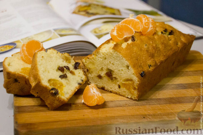 Фото приготовления рецепта: Рождественский кекс с мандаринами - шаг №11