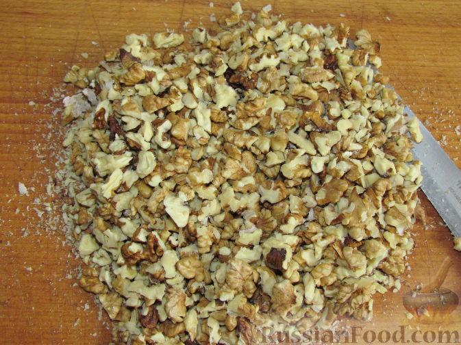 Фото приготовления рецепта: Лимонно-апельсиновые конфеты с орехами и медом - шаг №2