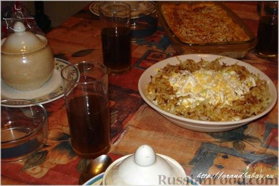 Фото приготовления рецепта: Салат из редьки с курицей - шаг №10
