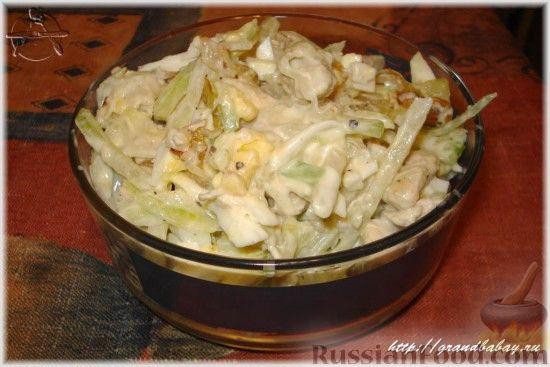 Фото приготовления рецепта: Салат из редьки с курицей - шаг №11