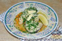 Фото к рецепту: Пикша, припущенная с морковью, пореем и лимоном