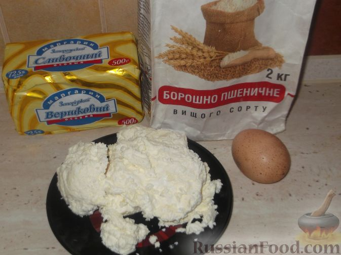 Фото приготовления рецепта: Свиные тефтели, тушенные в миндальном соусе с белым вином - шаг №11