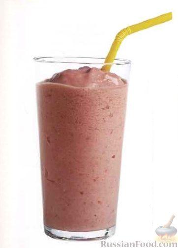 Фото к рецепту: Клубнично-банановый коктейль