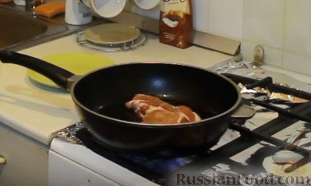 Фото приготовления рецепта: Слоёный салат с говядиной, картофелем, морковью и кукурузой - шаг №2