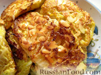 Фото к рецепту: Шницели из савойской капусты в миндальной панировке