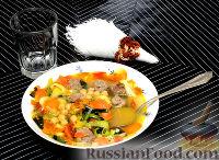 Фото к рецепту: Быстрый айнтопф с турецким горохом и фрикадельками