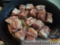 Фото приготовления рецепта: Картофель тушеный с мясом - шаг №3