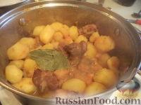 Фото приготовления рецепта: Картофель тушеный с мясом - шаг №10
