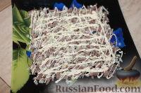 Фото приготовления рецепта: Слоеный салат из свиного языка - шаг №3