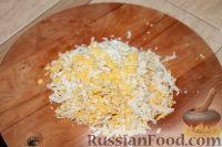 Фото приготовления рецепта: Слоеный салат из свиного языка - шаг №4