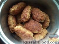 Фото приготовления рецепта: Жареные котлеты - шаг №9