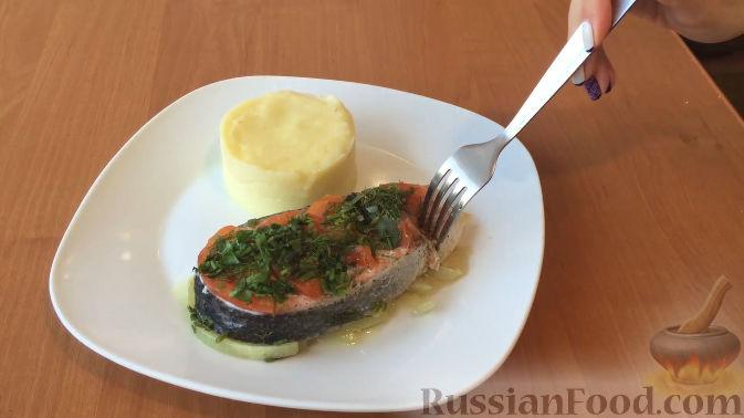 запекаем лосось в духовке рецепт