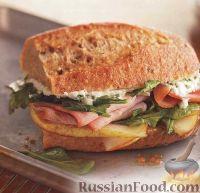 Фото к рецепту: Горячие сэндвичи с ветчиной, сыром и грушей