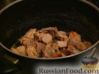 Фото приготовления рецепта: Гедлибже (курица в сметане по-кабардински) - шаг №8