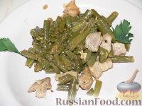 Фото к рецепту: Свинина, жаренная со стручковой фасолью