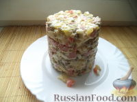 """Фото к рецепту: Салат """"Оливье"""" с яблоками"""