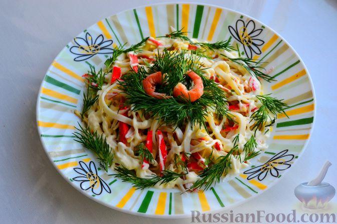 салат из крабовых палочек кальмаров