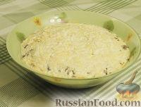 Фото к рецепту: Салат с куриной грудкой, зеленой фасолью, сыром и грибами