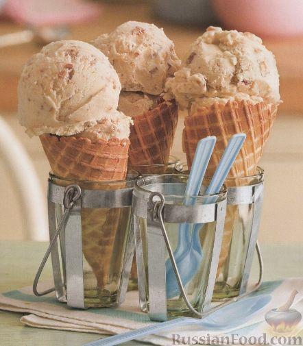 Рецепт Ванильное мороженое с персиком и грецким орехом
