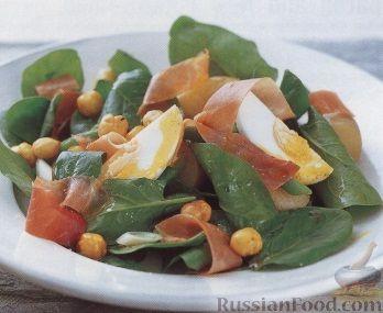 Рецепт Теплый картофельный салат с ветчиной, стручковой фасолью и орехами