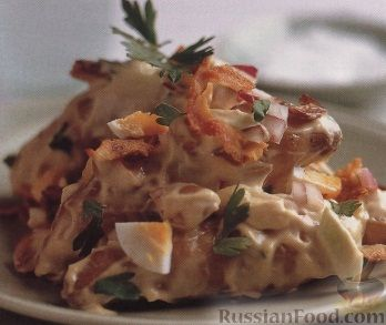 Рецепт Картофельный салат с яйцами, сельдереем и беконом